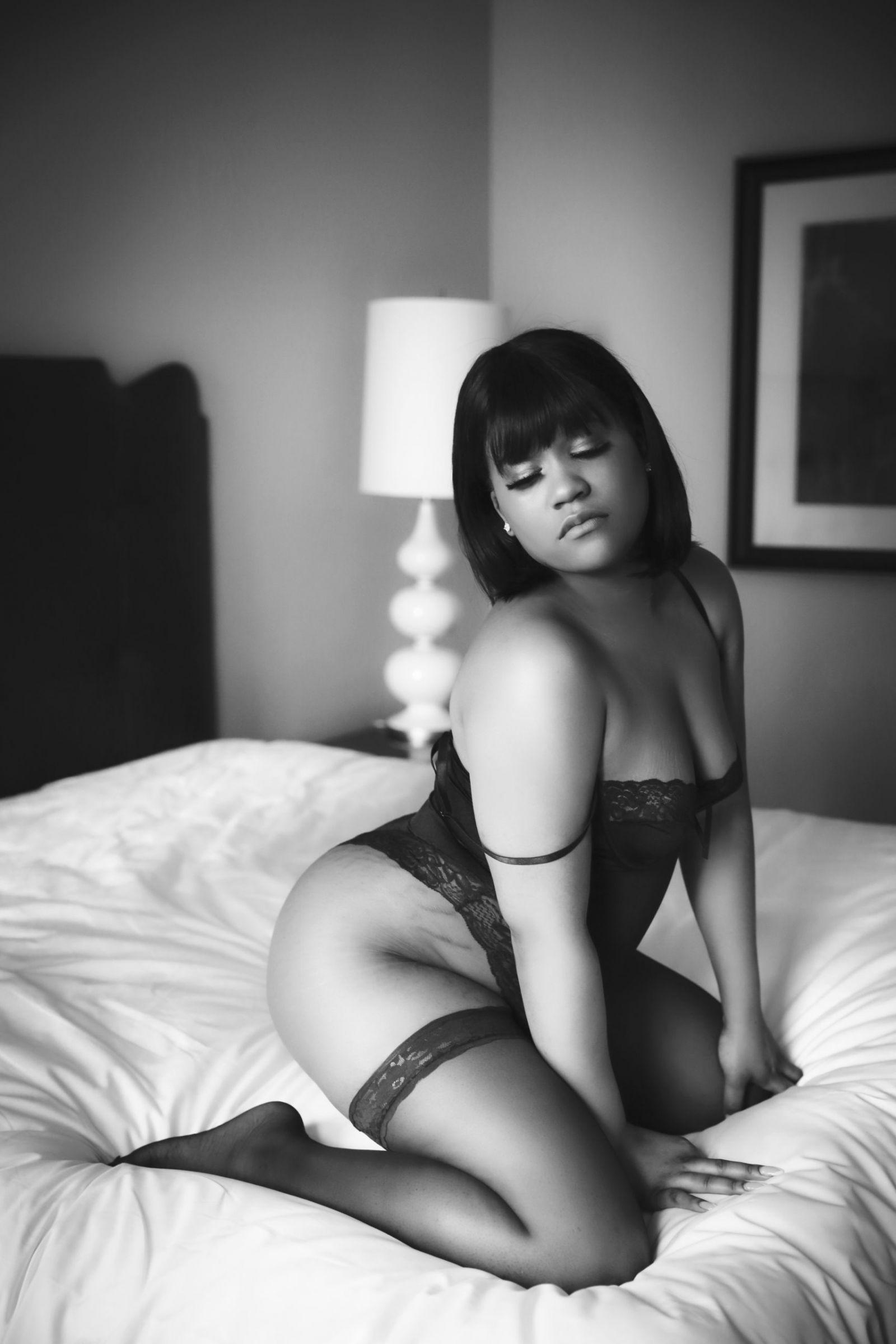 black and white boudoir image